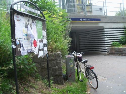 Västra vid Blåsuts tunnelbanestation - check!